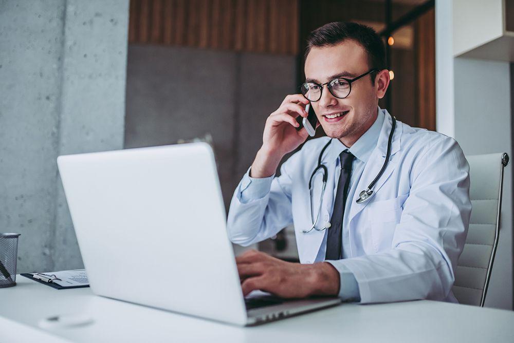 [Post estendido] Conheça 11 vantagens de usar um software para clínicas médicas!