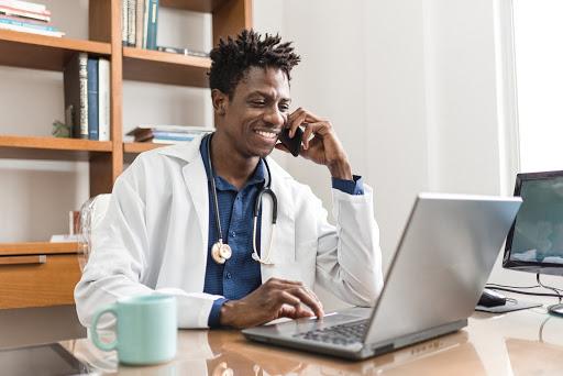 Quer se tornar um médico empreendedor? Confira 7 dicas!
