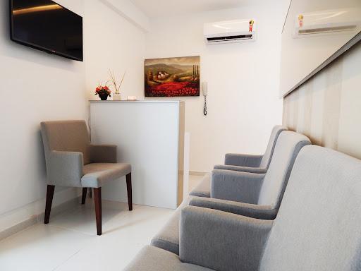 Como organizar a sala de espera do consultório? Confira 9 dicas!